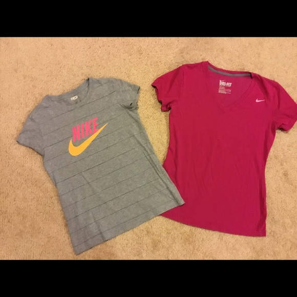 Nike Tops - Women's Nike t-shirts